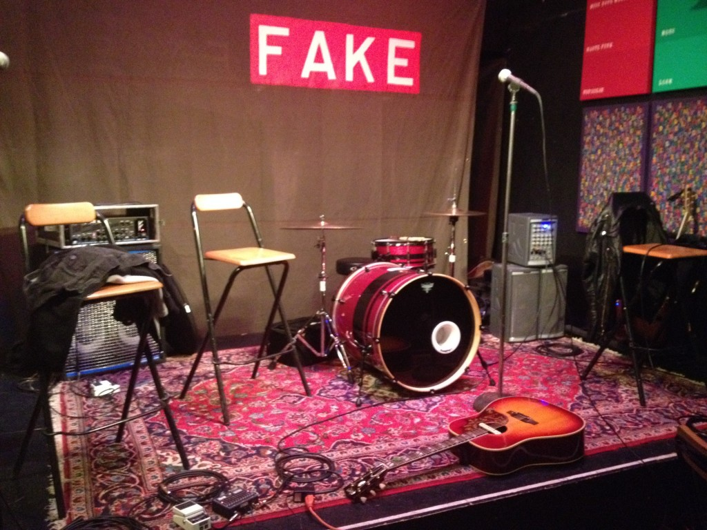 Rooftop R. Live@Fake Gallery (13.12.13) 1